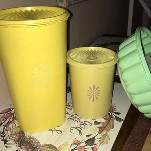 Tupperware Servalier Canisters w/ Lids Yellow